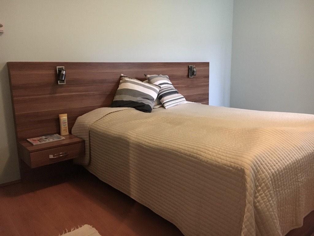 hálószobai szilva színű franciaágy