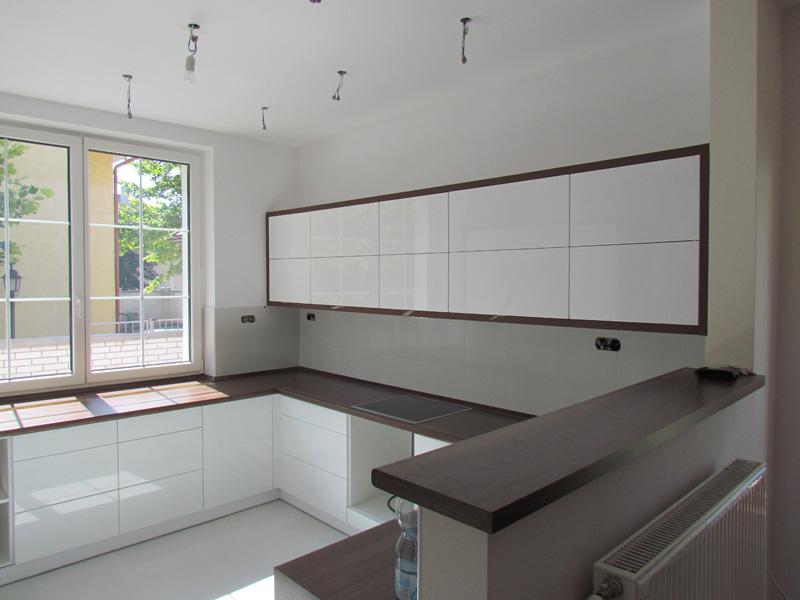 modern fényes konyha