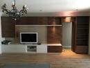 modern dió színfurnérozott nappali