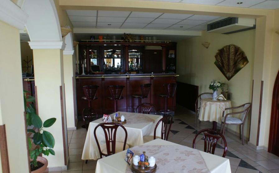 Kolibri Hotel bárpult